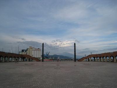 エスパルスドリームプラザ(清水マリンパークから望む富士山)