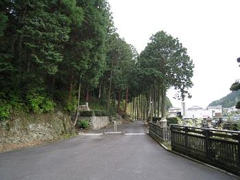静居寺(参道)