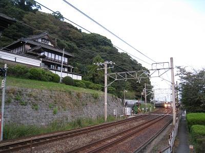 清見寺と東海道線