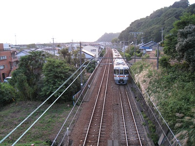 清見寺(跨線橋から望む電車)