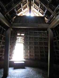 登呂遺跡(竪穴式住居-内部)