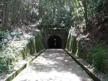 宇津ノ谷(明治のトンネル)
