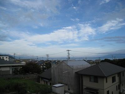由比宿(由比桜えび館から海を望む)