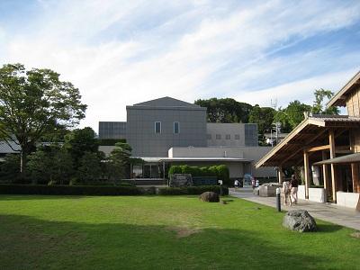 由比宿(東海道広重美術館)