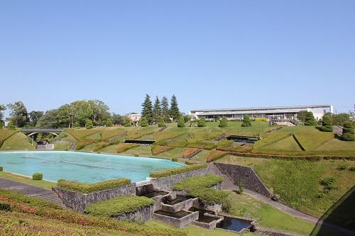 浜松フラワーパーク(噴水と入口の建物)