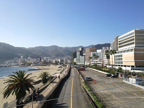 熱海サンビーチ歩道橋から