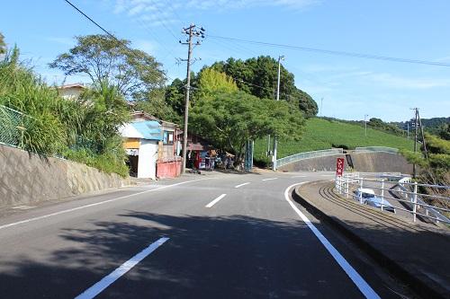相良油田観光くり園(駐車場からの道)