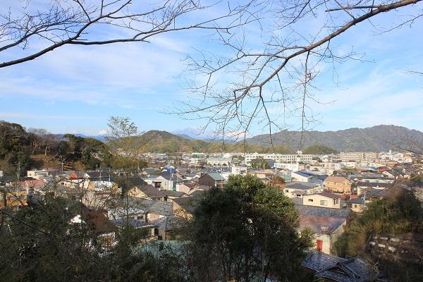 北側景色(岡出山公園)