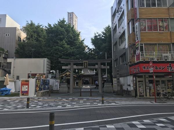 小梳神社(呉服町通りから)
