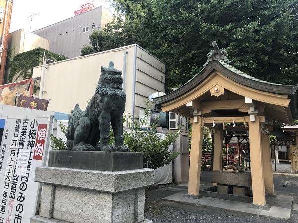 小梳神社(狛犬・左)