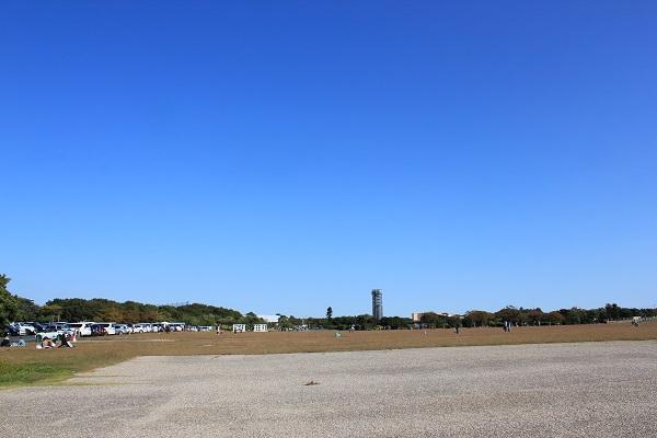 浜名湖ガーデンパーク(駐車場前広場)