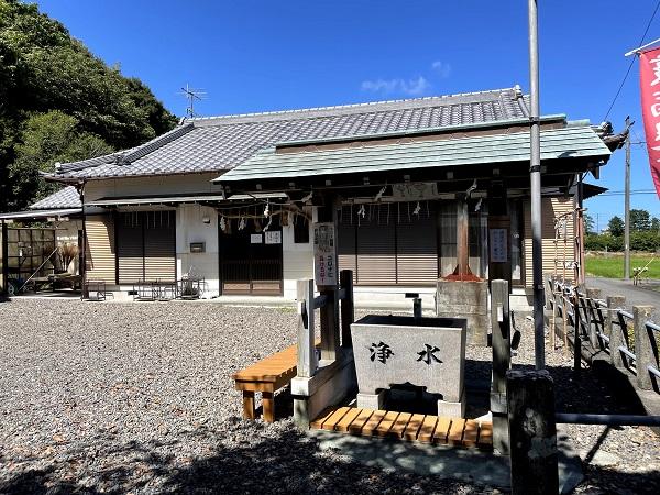 片岡神明宮(社務所と手水舎)